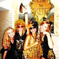 now thats some theta spirit Sorority Bid Day, Kappa Alpha Theta, Sorority Life, Go Fly A Kite, The Kat, Go Greek, Auburn, Glitters, Pretty Woman