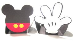 Forminhas do Mickey, feito em papel especial de 180g.    PREÇO INDIVIDUAL R$ 1,00 ( Não acompanha doce )    QUANTIDADE MÍNIMA DE 30 UNIDADES ( Podendo ser 10 de cada Personagem )    PERSONAGENS Corpo Mickey Sapato Luva Calção Mine Cabeça Mickey R$ 1,00