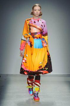 Défilé Manish Arora automne hiver 2014-15 : Une tenue gourmande et haute en couleurs #PinPFW