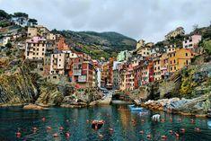 Riomaggiore, La Spezia, Italy, photo: Steven Verlander
