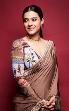 """""""I have a different kind of attachment to sarees,"""" reveals Kajol : Bollywood News Bollywood Actress Hot Photos, Indian Bollywood Actress, Beautiful Bollywood Actress, Most Beautiful Indian Actress, Bollywood Fashion, Indian Actresses, Kajol Saree, Bollywood Saree, Bollywood News"""