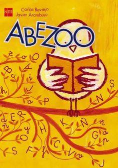 """""""Comienza el zoo ¡Atención, niños y niñas, abuelitos y abuelitas, este zoo abre sus puertas y comienzan las visitas! Os iremos enseñando desde la A hasta la Z, diversos animales que empiezan por esas letras. Veréis al zorro ladino, al despistado lirón, a doña Urraca ladrona, y al pequeñajo ratón. Uno a uno irán pasando, sin cristales y sin reja, animales de la granja y animales de la selva. ¡Atención, niños y niñas! ¡Atención, que ya comienza!"""""""