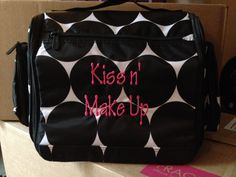 Hostess Exclusive - Deluxe Beauty Bag. I have this in the Paradise Pop print and i LOVE it!  mythirtyone.com/AmandaHopkins
