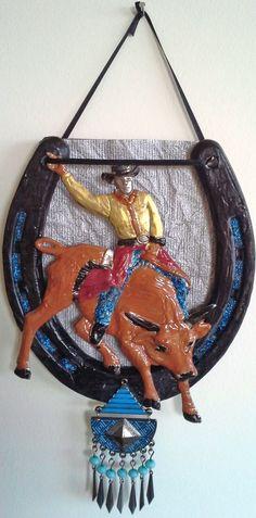 Bull Rider Decorated Horseshoe Western Chic, Western Dekoration, Cowgirl  Mode, Cowgirlart, Gestrichenes
