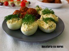 Oua umplute cu branzeturi - Bucataria cu noroc Romanian Recipes, Romanian Food, Noroc, Baked Potato, Potatoes, Traditional, Baking, Ethnic Recipes, Kitchen