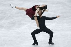 Meryl Davis and Charlie White of the United States compete in the Ice Dance Free Dance during day two of the ISU Grand Prix of Figure Skatin...