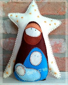 The corn wire Chiara and Gloria Daniela: Creative Sewing: Fuoriporta Nativity of pannolenci Felt Christmas Decorations, Felt Christmas Ornaments, Christmas Nativity, Noel Christmas, Homemade Christmas, Nativity Ornaments, Nativity Crafts, Christmas Projects, Felt Crafts