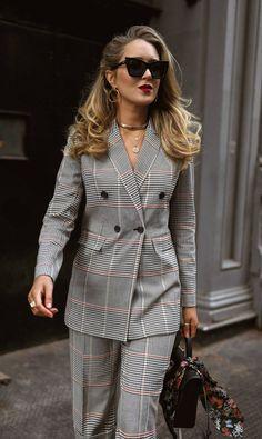 15 Ideas Fashion Style Hijab Statement Necklaces For 2019 Mens Fashion Blazer, Suit Fashion, Fashion Dresses, Womens Fashion, Fashion Trends, Business Attire, Business Fashion, Office Fashion, Work Fashion