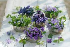 Bildergebnis für tischdeko frühlingsblumen im glas