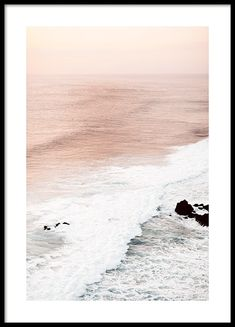 Beautiful nature poster with motifs of peacefull waves that meet each other and form a beautiful white foam. The waves have a ri Poster Mural, Poster Prints, Poster 40x50, Poster Xxl, Gold Poster, Poster Photo, No Wave, Nature Posters, Art Posters