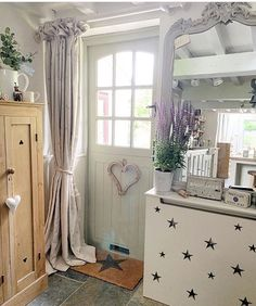 Door decorations for home interior design hallways 30 ideas for 2019 D House, Cozy House, Cottage House, French Country House, French Country Decorating, Bronze Bedroom, Living Room Decor Country, Cottage Interiors, Hallway Decorating