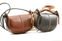 hand made leather purse. small leather bag. от underthetreeithaca