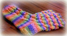 Arkimamman Arkiralli: Vaahtokarkki-kumpareet Fingerless Gloves, Arm Warmers, Socks, Fashion, Fingerless Mitts, Moda, Fashion Styles, Sock, Fingerless Mittens