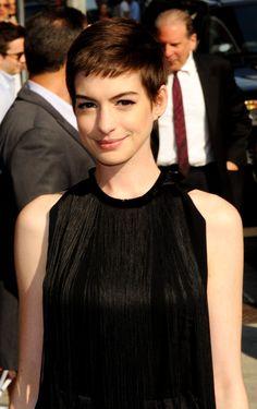 Anne Hathaway... shockingly short!