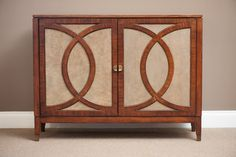 C7:1360-992 Boulevard Hall Chest with Reversible Panels