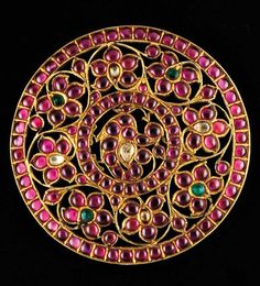India | Braid / hair ornament; gold rim, silver gilt openwork with floral motif with rubies, diamonds and emeralds. | 2000€ ~ sold (June/08)
