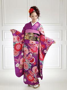 k-bridal: [Coming of age ceremony kimono] purple long-sleeved kimono rental 462 skansai [quinceañera] [full set] and women kimono and furisode rental れんたる comingof inbetween / furisode Cute Kimonos, Traditional Japanese Kimono, Kimono Japan, Japanese Costume, Japanese Wedding, Coming Of Age, Yukata, Japan Fashion, Kimono Fashion