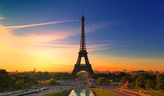 Paris is a city famous for its good food, romantic settings and of course, the Eiffel Tower. With so many iconic structures and buildings to visit, the city of Most Romantic Places, Most Beautiful Cities, Beautiful Sunset, Exotic Places, Tours, Paris Wallpaper, France Wallpaper, Uhd Wallpaper, Apple Wallpaper