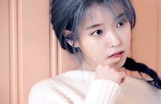 Luna Fashion, Blackpink Fashion, Kpop Girl Groups, Kpop Girls, Writing Gifs, Iu Gif, Jhope Cute, Kim Taehyung Funny, Sad Pictures