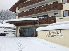 #klockerhof #familiekoch #dashotelfürentdecker #zugspitzarena #tirol #winter #schnee Winter Schnee, Garage Doors, Outdoor Decor, Home Decor, Zugspitze, Vacation, Decoration Home, Room Decor, Home Interior Design