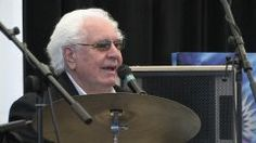 Video footage from the W.S. Fluke Holland 2009 drum clinic.