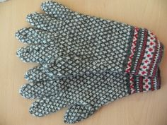 Gloves, knitted in Central Estonia
