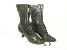 Estate Find! Antique Victorian Ladies Black leather High Top LACE UP BOOTS #Boots