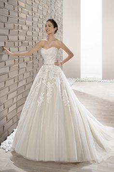 Νυφικά Φορέματα Demetrios Collection - Style 662