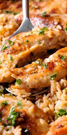 Chicken with Garlic Parmesan Rice is the perfect dish for easy weeknight dinners. Ingredients: chi with chicken tenders Chicken with Garlic Parmesan Rice Food Dishes, Main Dishes, Cooking Recipes, Healthy Recipes, Pan Cooking, Cooking Beef, Cooking Utensils, Easy Meals, Easy Weeknight Dinners