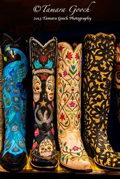 A photo of some custom western cowboy boots ~ wicked! love love love these boho baby:) Cowgirl Chic, Cowgirl Mode, Cowgirl Style, Western Cowboy, Western Wear, Western Boots, Blue Cowgirl Boots, Country Boots, Botas Boho