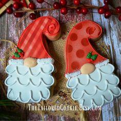 Bredele with brown sugar and praline sugar - HQ Recipes Pink Cookies, Santa Cookies, Christmas Sugar Cookies, Christmas Cookie Cutters, Mirangue Cookies, Christmas Baking, Christmas Treats, Frosted Cookies, Baking Cookies