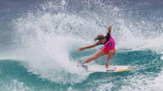 QUIKSILVER & ROXY PRO GOLD COAST 2014 Quiksilver Pro Gold Coast and Roxy Pro Gold Coast Courtney Conlogue (USA) surfing during the Roxy Pro Snapper Rocks Pro 2014 #Quiksilver Pro & #Roxy Pro Snapper Rocks Pro 2014 #Roxy Pro Snapper Rocks WSL #WORLD SURF LEAGUE