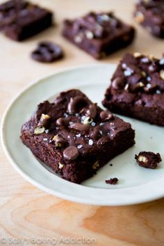 {From Sally's Baking Addiction: Triple Chocolate Pretzel Brownies. I made them with dark chocolate cocoa and I think I'd like them more with milk chocolate, but they're great either way. Cookie Desserts, Just Desserts, Delicious Desserts, Dessert Recipes, Yummy Food, Breakfast Dessert, Eat Dessert First, Dessert Bars, Cake Pops