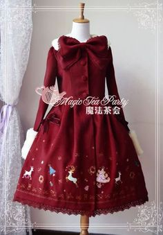 I adore this christmas inspired lolita jacket!