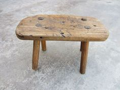 French Antique Farm Stool Milking Stool Bench Primitive Antique from mrbeasleys on Ruby Lane Outdoor Furniture Chairs, Outdoor Lounge Chair Cushions, Leather Dining Room Chairs, Old Chairs, Home Decor Furniture, Diy Home Decor, Furniture Design, Folding Chairs, Furniture Ideas