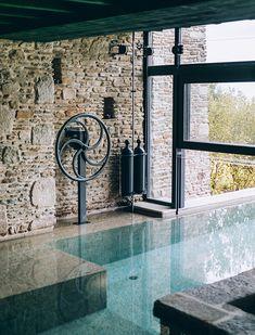 Pool House Designs, Backyard Pool Designs, Swimming Pool Designs, Pool Landscaping, Small Indoor Pool, Indoor Swimming Pools, Outdoor Pool, Indoor Outdoor, Pool Landscape Design