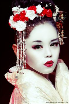 Red and white #MakeUp - Beauty Works London