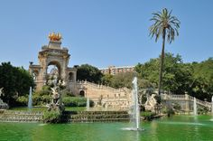 Parque de la Ciudadela  / Opened in 1877, Ciutadella Park was one of Barcelona's only green spaces upon its completion over the site of the old citadel. It houses a zoo, some museums, the Parliament of Catalonia, and this colossal fountain.