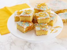 Cake Bars, Let Them Eat Cake, Sweet Tooth, Cereal, French Toast, Muffin, Goodies, Sweets, Cheese