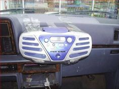 This car stereo at it's best..... | 20 Of The Best Redneck Repair Jobs