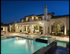 Villa with a pool!