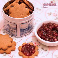 Biscuiti cu quinoa si migdale / Quinoa almond cookies - Madeline's Cuisine