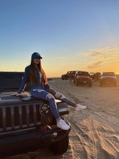 Cute Casual Outfits, Chic Outfits, Sport Outfits, Girl Outfits, Beach Photography Poses, Teenage Girl Photography, Photo Recreation, Dressing Sense, Tumblr Outfits