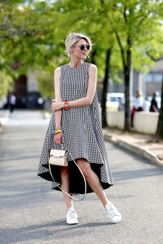 Super Chic Ways to Wear Sneakers with a Dress0101