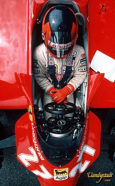 Gilles Villeneuve #27 Ferrari : He dared to do what nobody else did. The best F1 driver ever.