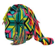 www.mochilaswayuubags.com whatsapp +57 320 345 9226  #wayuu #crochet #handmade #crochet #boho #bohostyle #bohochic #hippie #cartagena #colombia #colombiabags #art #wayuutribe #mochilaswayuu #mochilas#psychedelic#beachbag #Desertbag
