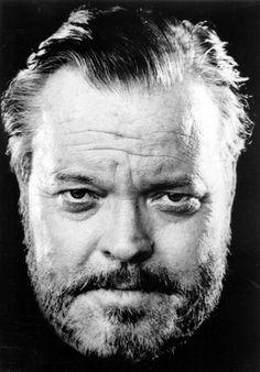 Orson Welles Famous Men, Famous Faces, Famous People, Vintage Hollywood, Classic Hollywood, Portrait Au Crayon, Poster Online, Orson Welles, Photo Vintage