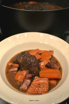 Boeuf braisé aux carottes Proust Madeleine, Hui, Pot Roast, Ethnic Recipes, Blog, Cooking Food, Meal, Savoury Dishes, Dutch Oven