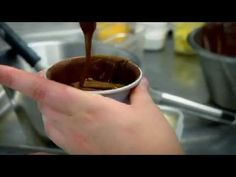 Chocolate fondant - Gordon Ramsay http://www.youtube.com/watch?v=yack7pTDqxg#