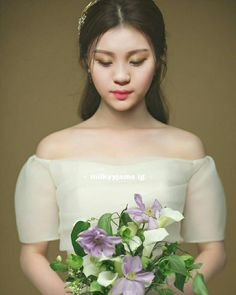 Kim Ye Won Extended Play, Gfriend Profile, Kim Ye Won, Playing Piano, G Friend, My Boo, Muji, Artemis, Bias Wrecker